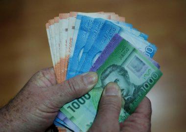 Noticias Chile   Parlamentarios aprueban proyecto para que chilenos puedan sacar dinero de su AFP
