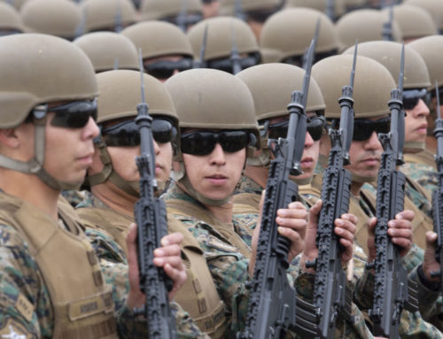 Presidente Piñera aborta la salida de militares