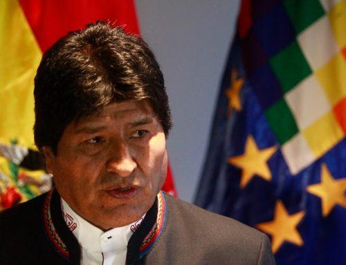 FF.AA sacan a Evo Morales del poder luego de gran fraude electoral