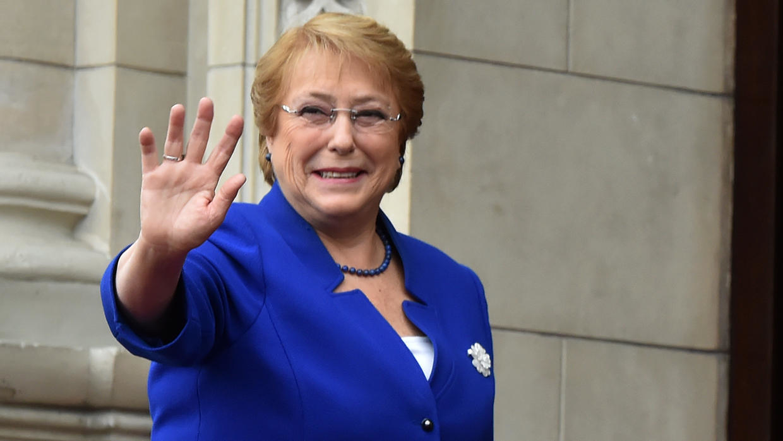 Noticias Chile   Decreto firmado por Bachelet permite a todos los inmigrantes poder vacunarse en nuestro territorio