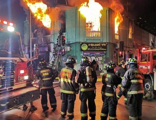 Violento incendio destruye por completo seis locales comerciales en el corazón de Nuñoa, se presume intencionalidad