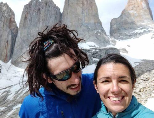 Mujer que rayó monumento en Torres del Paine fue detenida