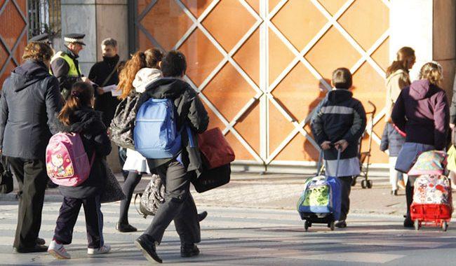 Noticias Chile   Clases en colegios parten el 1 de marzo con modalidad presencial voluntaria y online desde casa