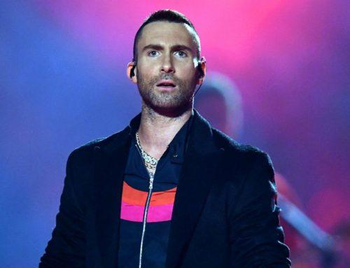 """Esto es un programa de TV no un concierto: Video muestra a Adam Levine retirándose indignado de Viña """"Esto es una mierda"""""""