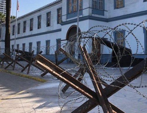 Ejército de Chile  mantendrá su cierre perimetral en el Regimiento  Cavancha , a pesar de advertencia de municipio de Iquique