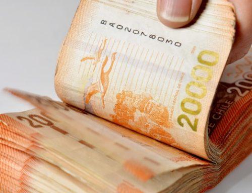 Parlamentarios buscan prohibir a las AFP traspasar pérdidas a chilenos y permitir retirar 10% de las cuentas