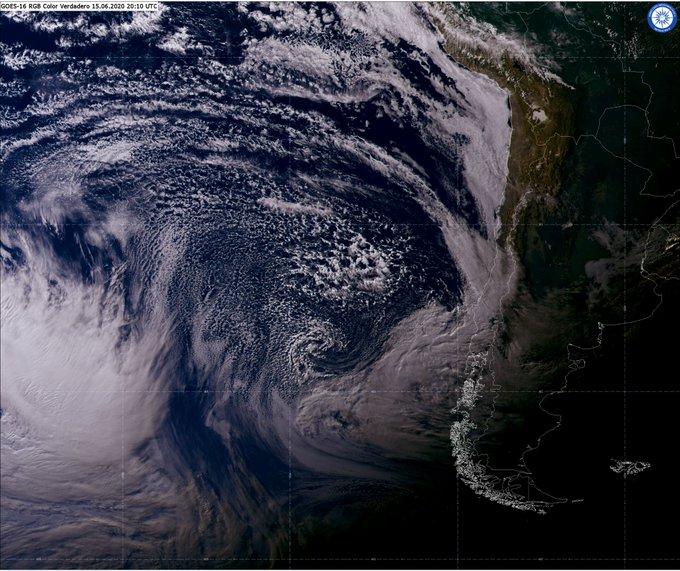 Noticias Chile | Fuerte temporal se dejará sentir de la IV región al sur de Chile, con fuertes vientos y precipitaciones