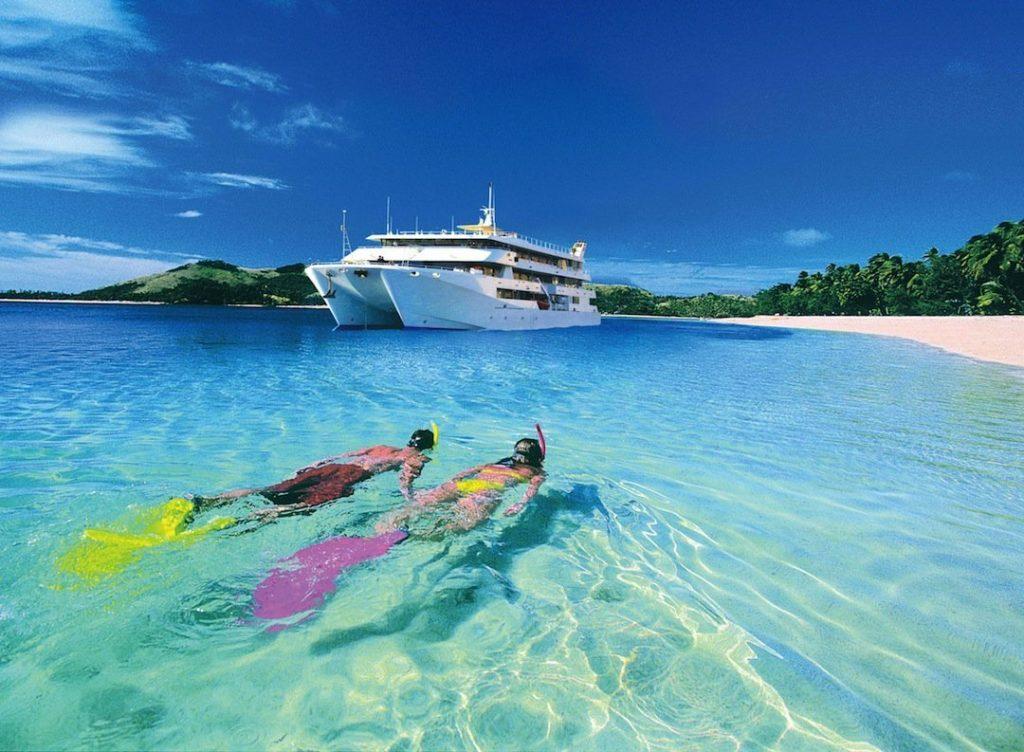 """Las islas Fiyi, cuya economía depende en gran medida del turismo, quieren crear una """"burbuja"""" sin coronavirus"""