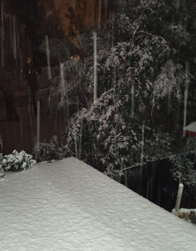 Noticias Chile   Comienza a nevar en sectores de Santiago