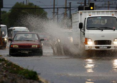 Noticias Chile | Nuevo sistema frontal aproxima a Santiago con fuertes precipitaciones para este viernes
