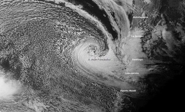 Noticias Chile | nuevo sistema frontal aproxima a la zona central de Chile con fuertes precipitaciones en la RM y nieve en cordillera
