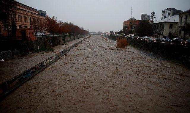 Noticias Chile | Temporal ingresará a la zona central de Chile , se esperan hasta 25 milímetros de agua caída en la RM