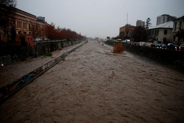Noticias Chile   Temporal ingresará a la zona central de Chile , se esperan hasta 25 milímetros de agua caída en la RM