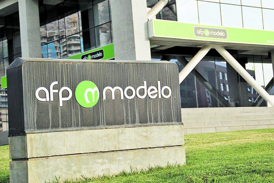 Noticias Chile | AFP modelo genera ola de reclamos en redes sociales al pedir foto del carnet de identidad | INFORMADORCHILE