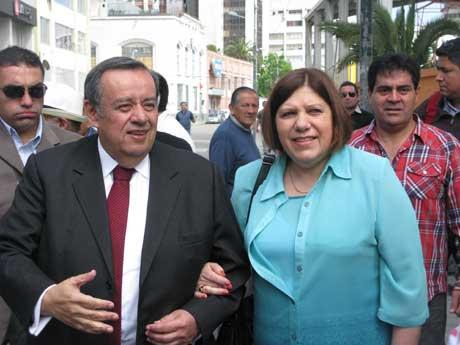 Noticias Chile | Ex alcalde Hernán Pinto se encuentra en ventilación mecánica por una pulmonía severa