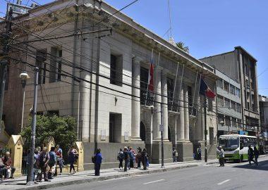 Noticias Chile | Funcionaria del municipio de Valparaíso celebró fiesta con whisky y vino en plena cuarentena por pandemia