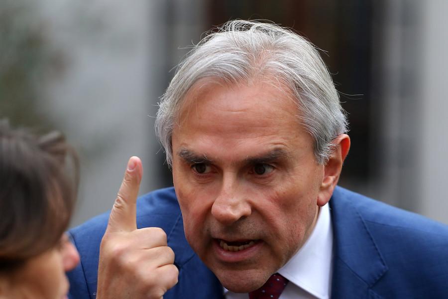 Noticias Chile | Terremoto en la Moneda: Moreira votará a favor del retiro del 10 % de las AFP | INFORMADORCHILE