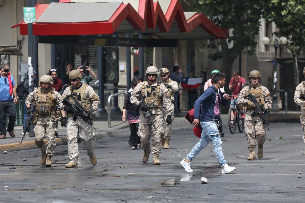Noticias Chile | Ejército comprará 130 escopetas antidisturbios, que costarán 47 millones de pesos | INFORMADORCHILE