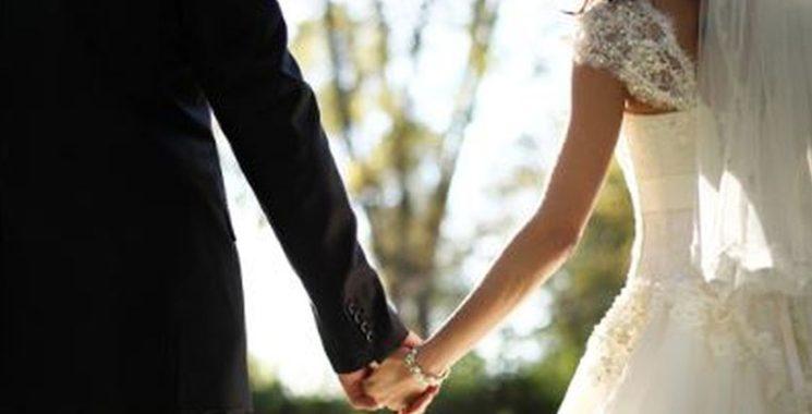 Noticias | hombre se casó y murió de Coronavirus: 111 asistentes al matrimonio y funeral se contagiaron con el virus