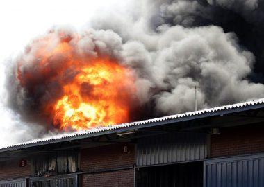 Noticias Chile | Tres niños haitianos fallecieron en incendio en Santiago, mientras sus padres estaban en la feria