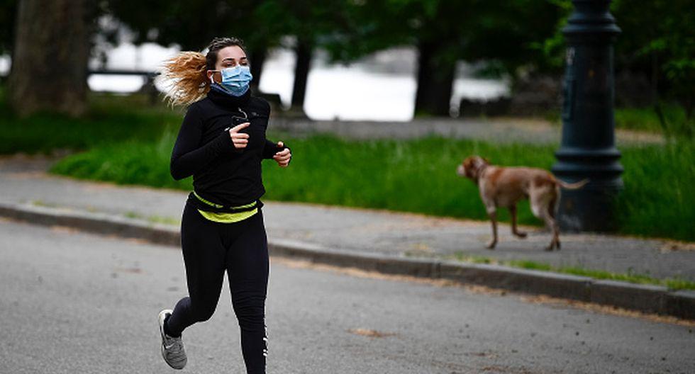 Noticias Chile   Correr con mascarilla es peligroso, incluso se ha reportado una persona con colapso de pulmón   INFORMADORCHILE