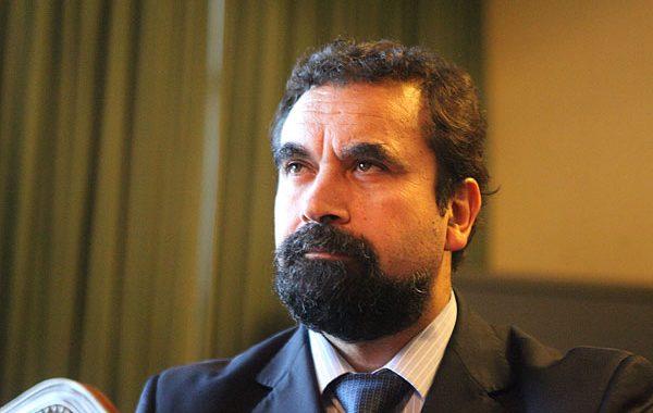 """Noticias Chile   Pasan al tribunal de ética al diputado comunista Hugo gutiérrez por polémico control en Iquique """"Yo soy la autoridad"""""""