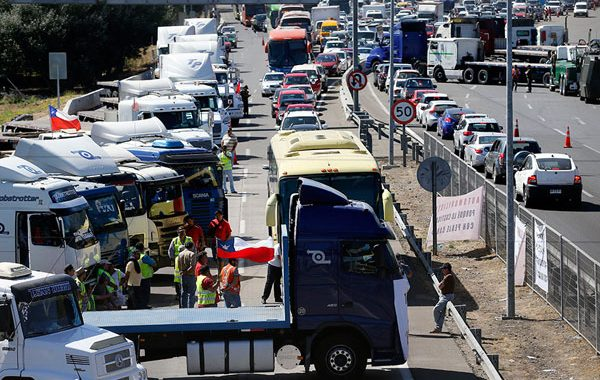 Noticias Chile | El paro de camioneros no será nacional y afectaría de la región del Maule a Los Lagos y parte de Valparaíso