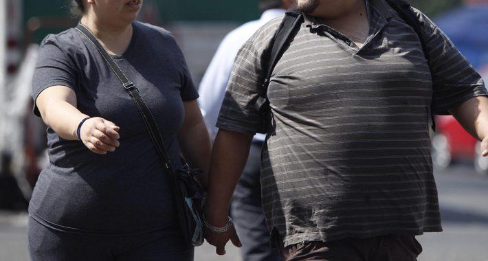 Noticias Chile | 44 % de los chilenos confinados subieron de peso corporal , según encuesta | Informadorchile