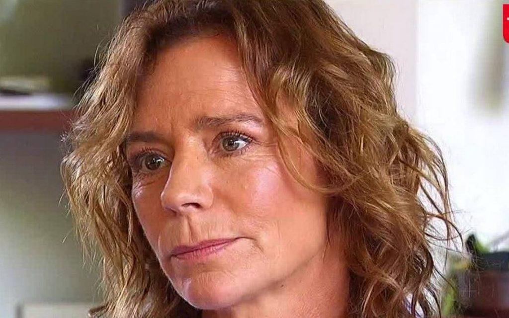 Noticias Chile   Kathy Salosny lo está pasando mal , vive del seguro de cesantía y espera su 10% de la AFP