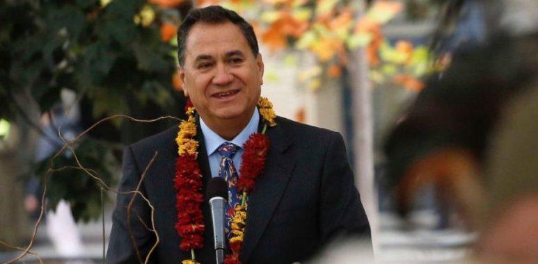 Noticias Chile   Alcalde de Rapa Nui Petero Edmunds, solicita al presidente Piñera que las primeras vacunas contra el Covid-19 sean para su etnia