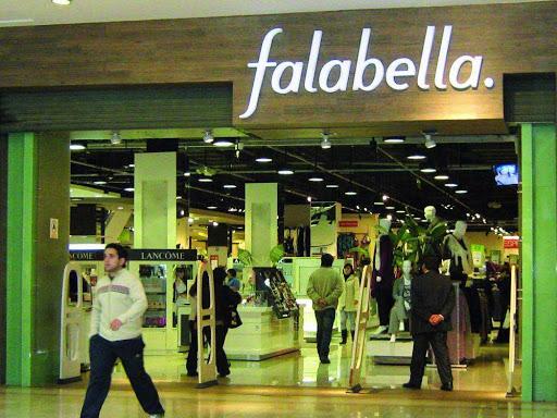 Noticias Chile   Confirman que Falabella escondió 21 trabajadores en bodega para evadir fiscalización   INFORMADORCHILE