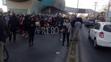 Noticias Chile   Encapuchados atacan 20° comisaría de Puente Alto
