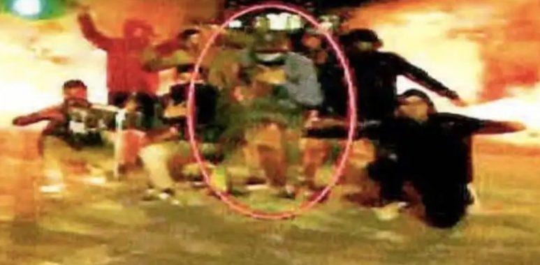 18 de octubre | Antifacistas de la Garra Blanca quemaron el metro Pedrero y cayeron por una fotografía