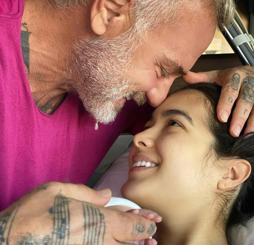 Noticias Chile | Gianluca Vacchi fue padre con modelo 25 años menor