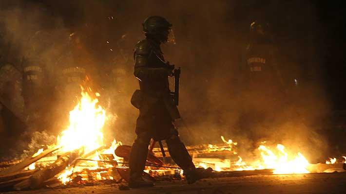 """Noticias Chile   Camila Vallejos por infiltrado: """"Carabineros llama a quemar comisarías en silencio total"""""""