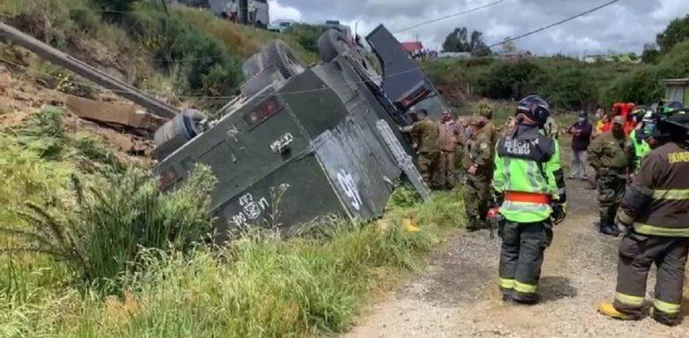 Noticias Chile   Carro lanzaaguas sufrido grave accidente en el sur de Chile