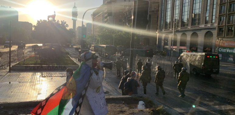 Noticias Chile | Carabineros despliega 1.100 policías para contener a los manifestantes lejos de La Moneda