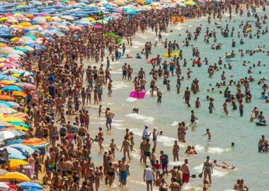 Noticias Chile   Playas colapsaron de personas debido al fin de semana largo