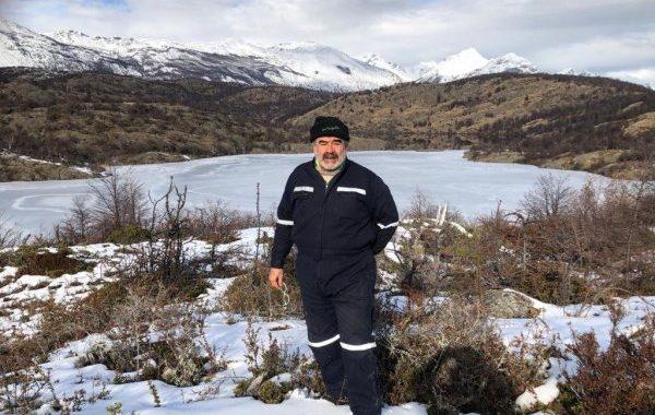Noticias | Andrónico Luksic se dejo el pelo largo y se fue a vivir a un campo de 30 mil hectáreas en el extremo sur de chile