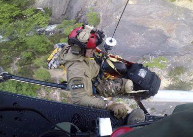Noticias Chile | Fach salva la vida de un arriero accidentado en Torres del Paine