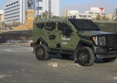 Noticias Chile | Carabineros prepara sus vehículos Sandcat 4x4 para que puedan lanzar gas lacrimógeno