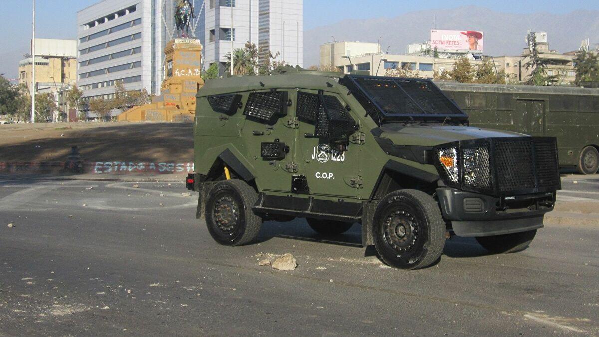 Noticias Chile   Carabineros prepara sus vehículos Sandcat 4x4 para que puedan lanzar gas lacrimógeno