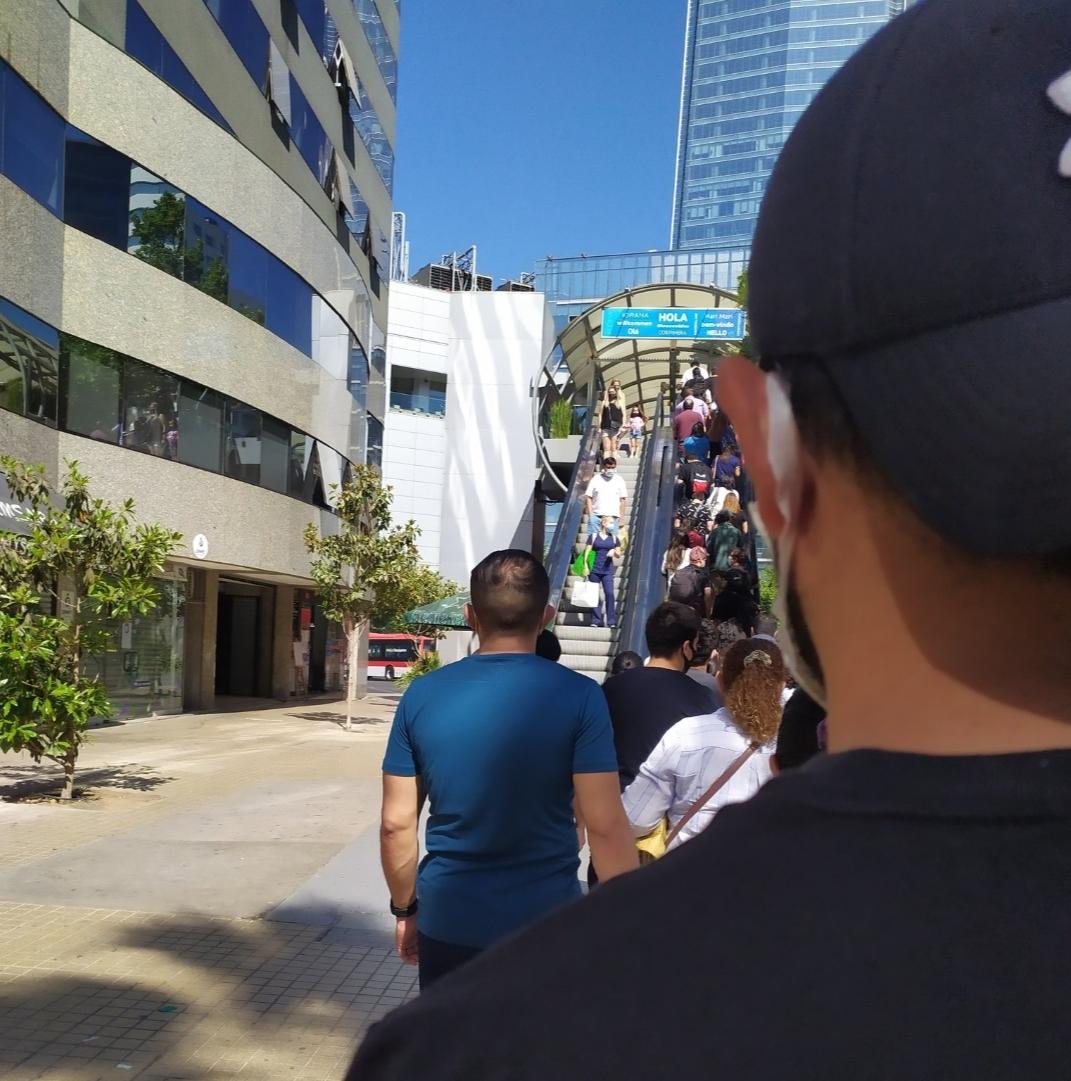 Noticias Chile   Mall de Santiago se repletaron de personas, ante la inminente cuarentena de los fines de semana