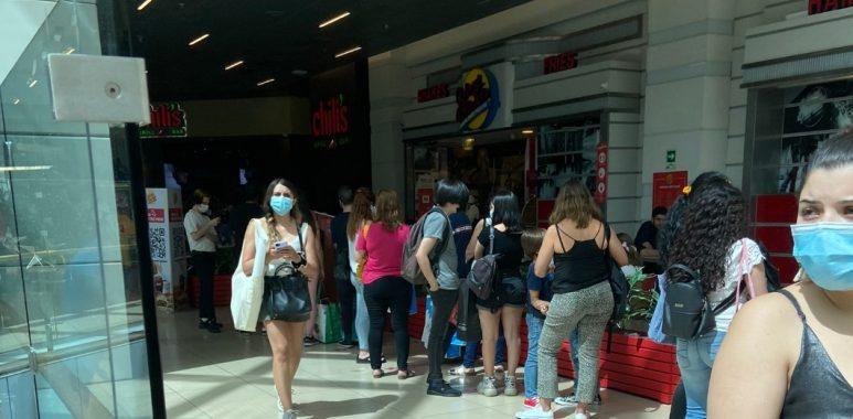 Noticias Chile   Malls de Santiago se colapsaron con miles de personas, ante la inminente cuarentena de los fines de semana
