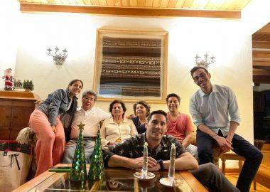 Noticias Chile | Pancho Saavedra sube inédita fotografía de Navidad junto a su pareja