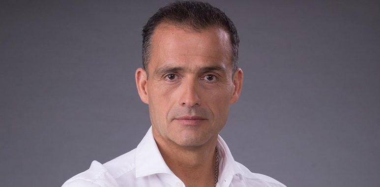 Noticias Chile   Periodista Iván Ñuñez sufre fuerte funa en Villarrica