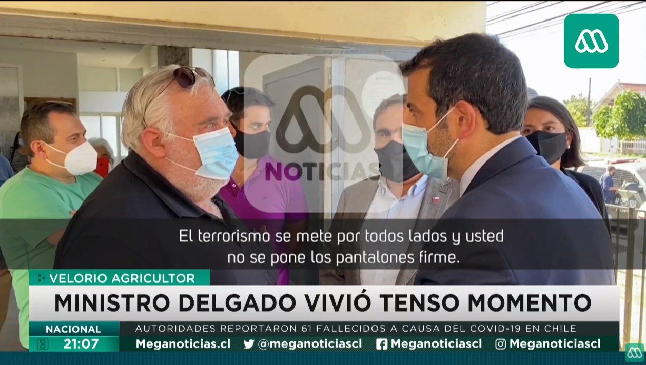 "Noticias Chile | Individuo no dejó ingresar a Ministro Delgado a funeral de agricultor asesinado:  ""Si entras te voy a aforrar"""
