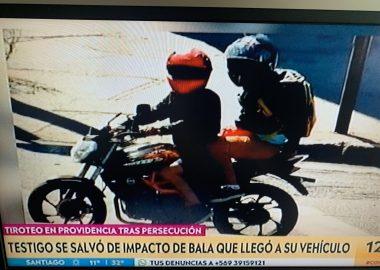 Noticias Chile   Robo de motochorros terminó con gran balacera en Providencia, dejando dos Carabineros heridos