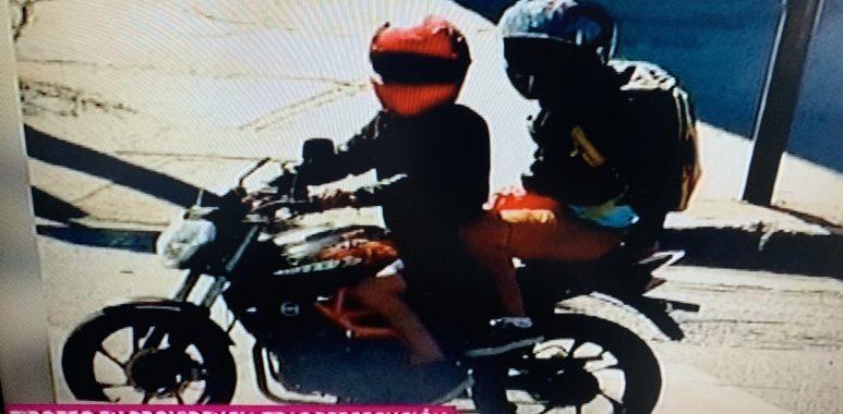 Noticias Chile | Robo de motochorros terminó con gran balacera en Providencia, dejando dos Carabineros heridos