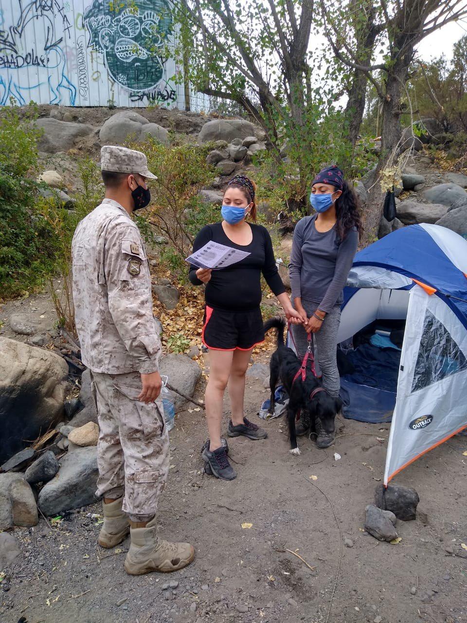 Noticias Chile | Ejército de Chile saca a porfiados de la rivera del río Maipo, ante riesgo de aluviones